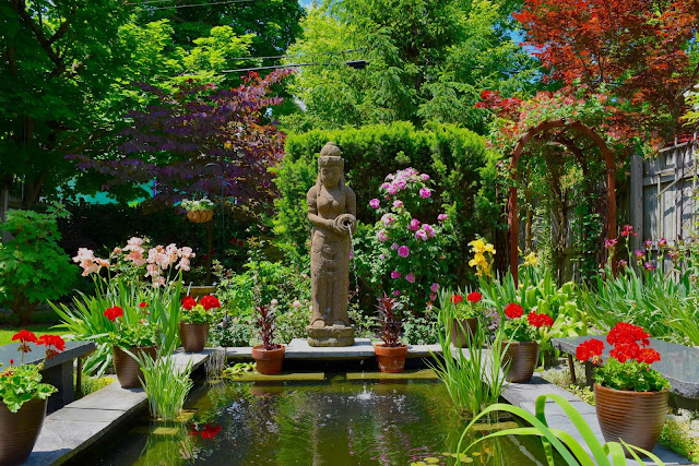 "Buffalo Garden Walk: 10 Of Buffalo's ""Can't Miss"" Gardens"