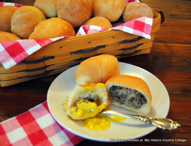 Beirocks (German Stuffed Bun) at Miz Helen's Country Cottage