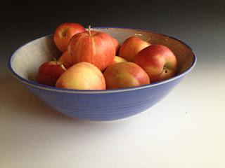 leslie freeman designs ceramic serving bowl
