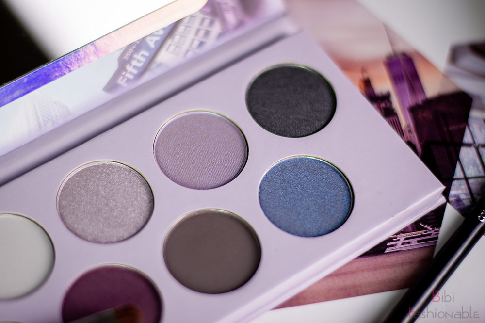 Hello New York eyeshadow Palette nah rechts