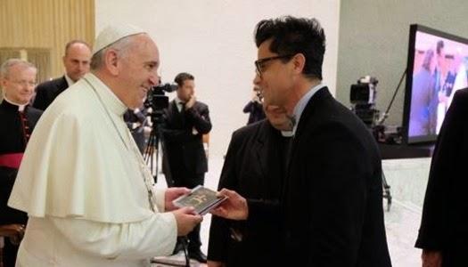 Ulises de Rescate saluda al Papa Francisco