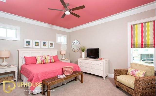 Phòng ngủ màu hồng trắng 05