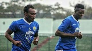 Essien dan N'Douassel Bertahan di Persib Bandung
