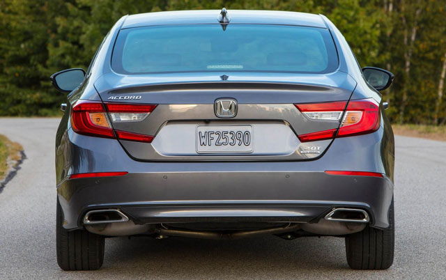 2018 Honda Accord Review: Way Better, and Honda Even ...