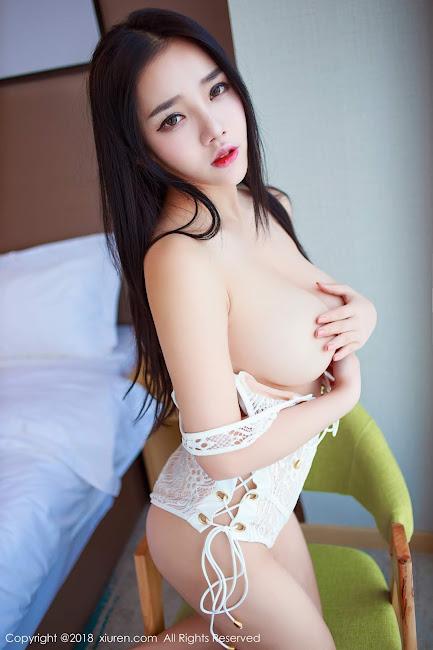 Xia Xue Ai Khoe Ngực Khủng Đầy Hấp Dẫn