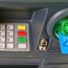 Jika Kartu ATM Tertelan Mesin Segera Lakukan Langkah Aman Ini