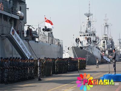 Polisi dan TNI di Pelabuhan Tanjung Priok Menggelar Doa Bersama untuk Mengamankan Demo Hari ini