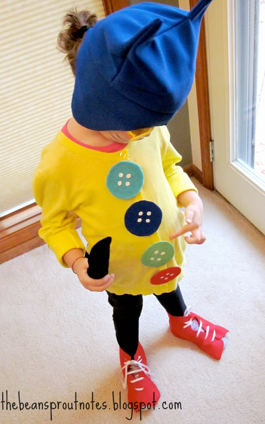 To Make Buttons Trace and cut four circles from an empty cereal box. Glue teal blue green and red fabric to cardboard circles. Paint on button holes with ... & The Bean Sprout Notes: Pete the Cat Four Groovy Buttons Costume
