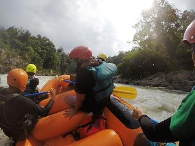 arung jeram sungai batang merangin