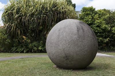 Batu Spheres dari Kosta Rika