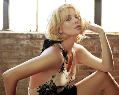 charlize_theron_wallpaper_5