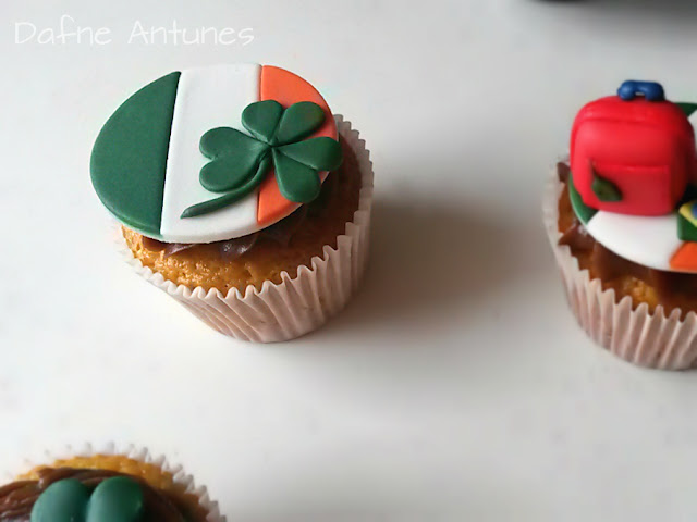 Cupcakes da Irlanda trevo, bandeira e mala - Irealand cupcakes - irish