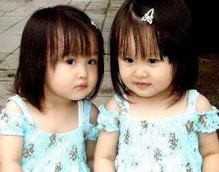 Kumpulan Foto Lucu Anak Bayi Kembar Perempuan Laki Laki