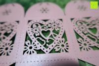 vergrößern: 50pcs Love Heart Laser Wedding Favor Gift Box Kartonage Schachtel Bonboniere Geschenkbox Hochzeit (Pink)