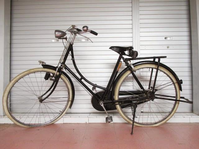 Selamat Datang di Tony's Antiques Sepeda RALEIGH Standar