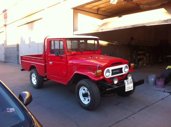 1972 Toyota Land Cruiser FJ45 Pickup Truck