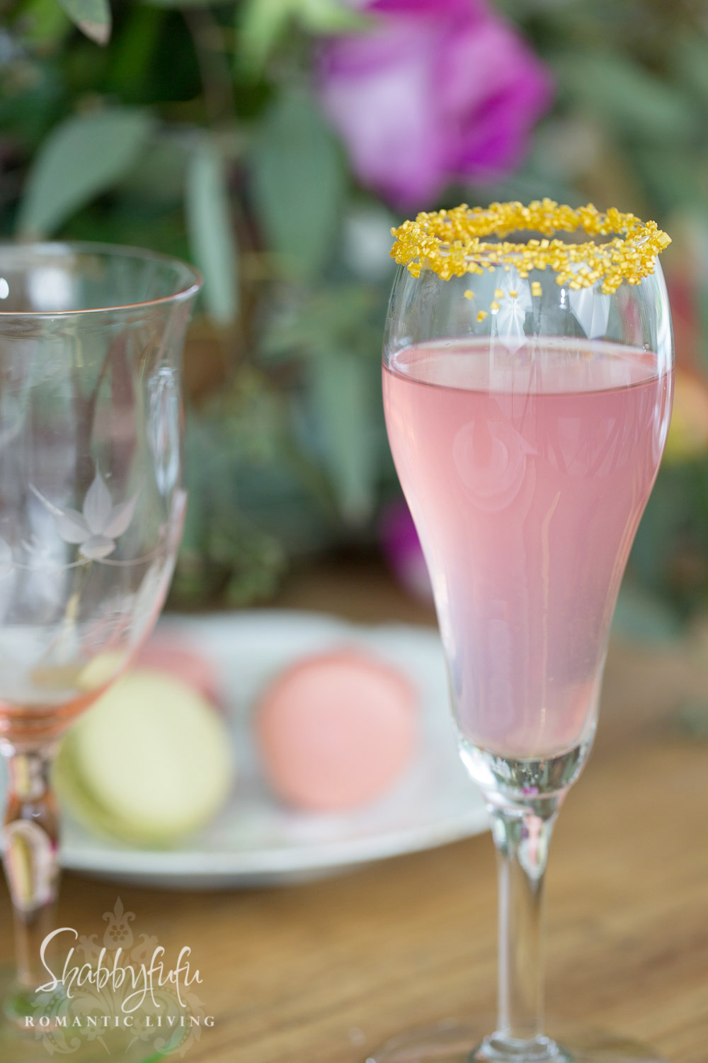 pink champagne flute with gold sugar