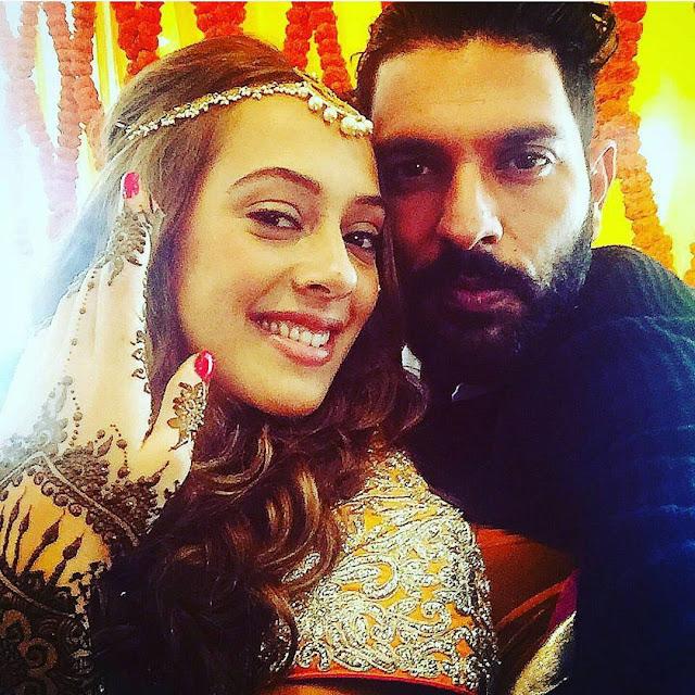 Yuvraj Singh-Hazel Keech's selfie at mehendi ceremony