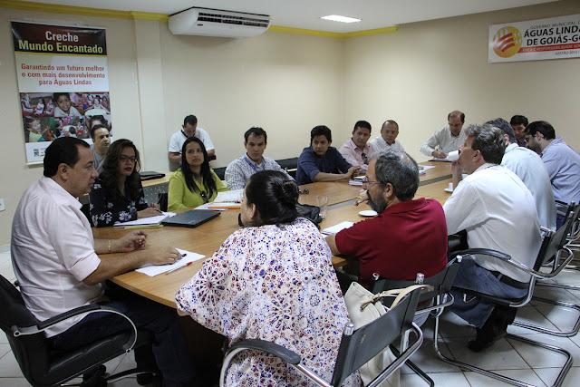 Prefeito Hildo do Candango recebe técnicos do Ministério das Cidades e CEF