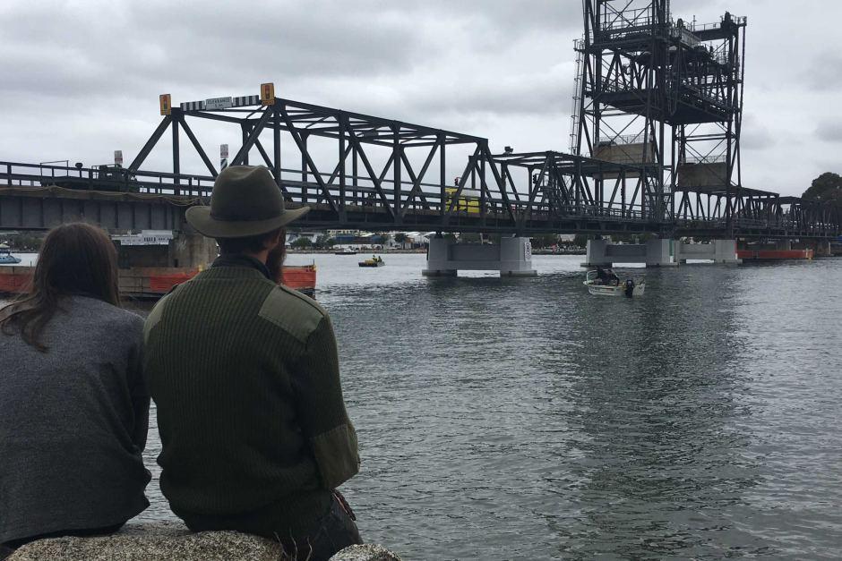 Bateman 39 s bay bridge stuck school of running for Bay bridge run 2016