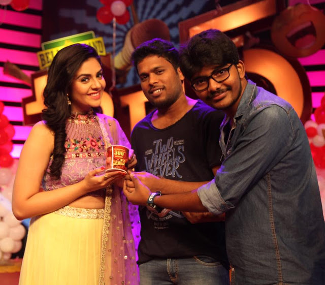 Srimukhi in PATAAS 300 episode Latest Photo gallery