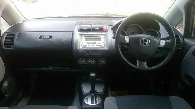 Honda Jazz tahun 2006 bekas