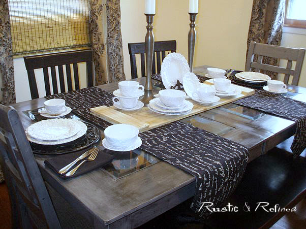 Dining room decorated with gold and black