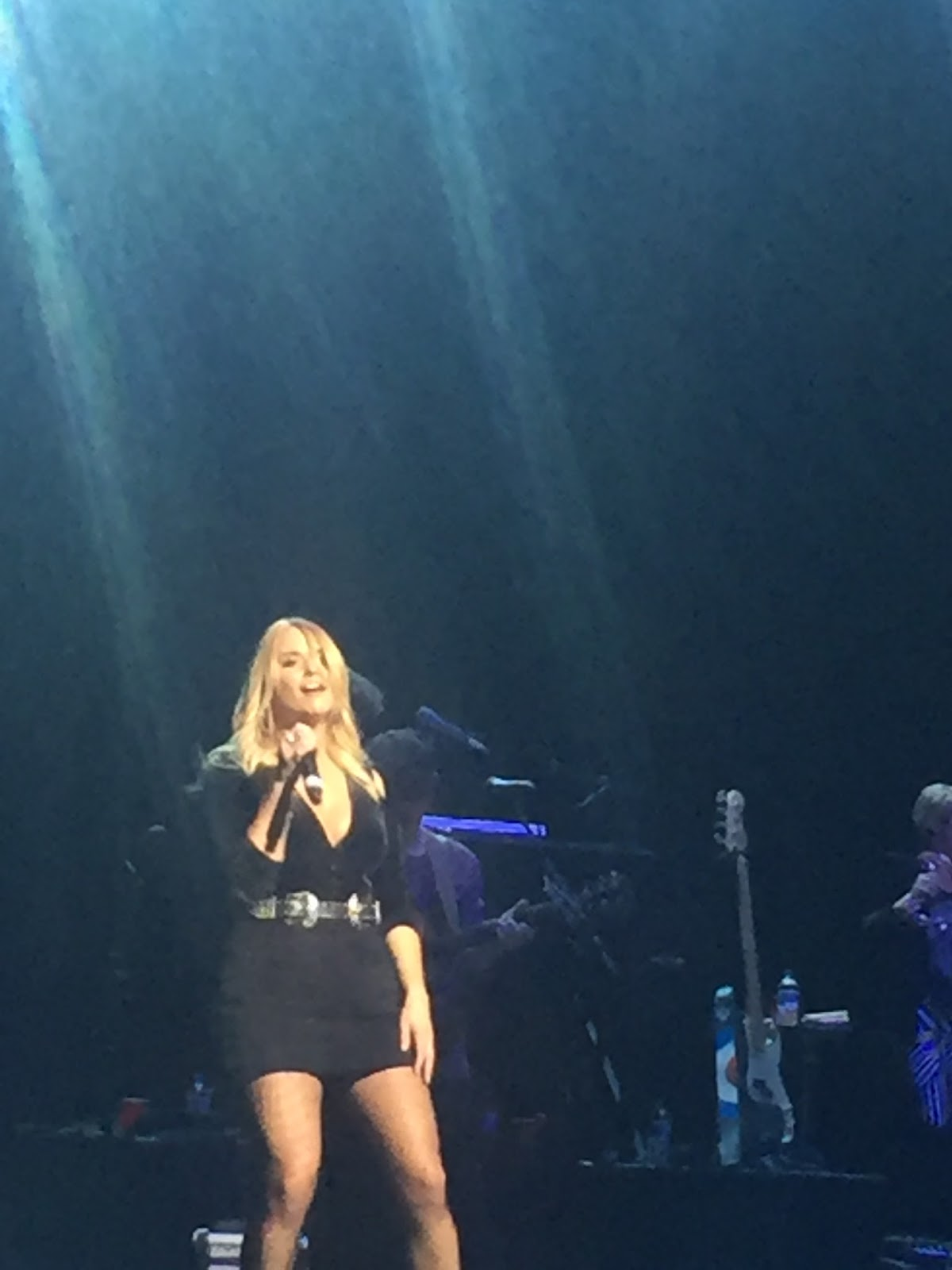 Three chords and the truth uk miranda lambert barclaycard arena the house that built me and tin man the latter beginning a two song encore segment brought a tear to many an eye hexwebz Gallery