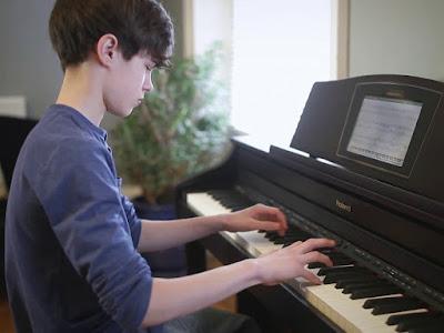 Những điều cần biết trước khi học piano căn bản