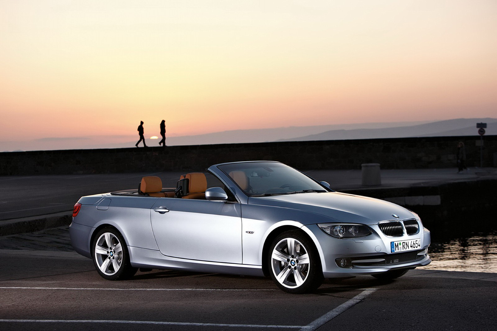 car pictures bmw 335i coupe and convertible 2011. Black Bedroom Furniture Sets. Home Design Ideas
