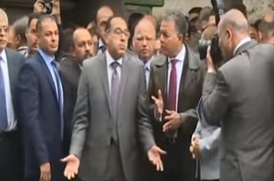 شاهد بالفيديو انفعال رئيس الحكومة على وزير النقل أثناء تفقد حريق محطة مصر