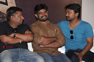 Vizhithiru Movie Press Meet Stills  0022.jpg