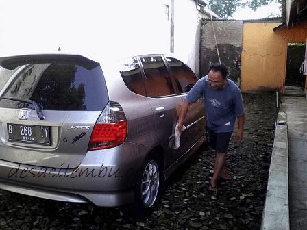 Cara Mencuci Mobil Tanpa Sabun dan Air