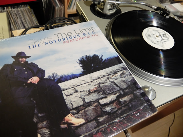 Sky's The Limit / The Notorious B.I.G featuring 112 のレコードです。