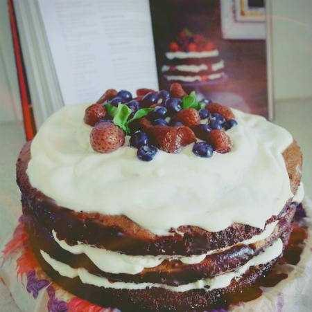 Tort Czekoladowy Z Bitą śmietaną I Owocami Kuchnia Lidla