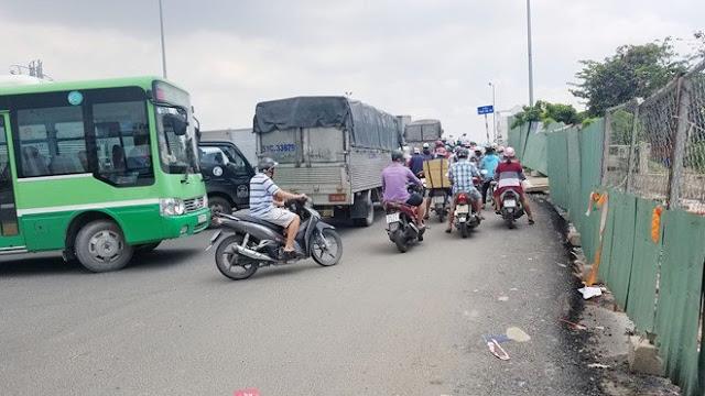 Dốc cầu Phạm Văn Chí