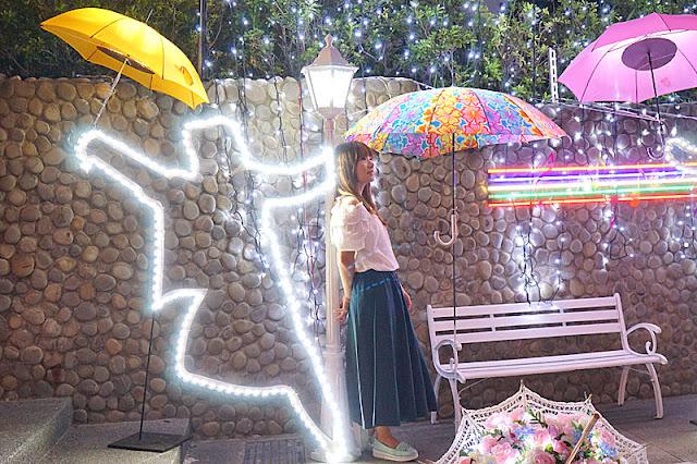 DSC06509 - 太平景點│臺中市屯區藝文中心傘亮花博裝置藝術,帶我走或把傘留給我