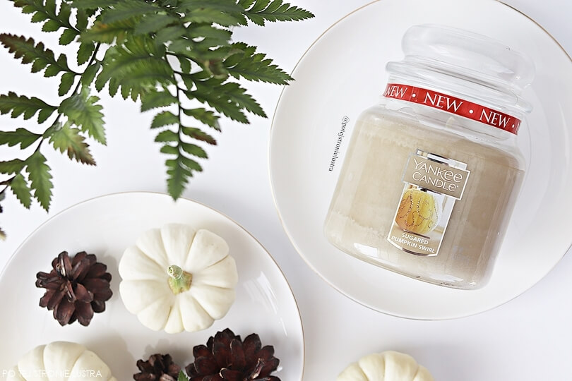 średnia świeca yankee candle sugared pumpkin swirl