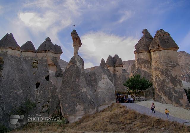 Kapadocja - formacje skalne, podziemne miasta, bajkowe kominy powstały dzięki wulkanom i procesom erozyjnym