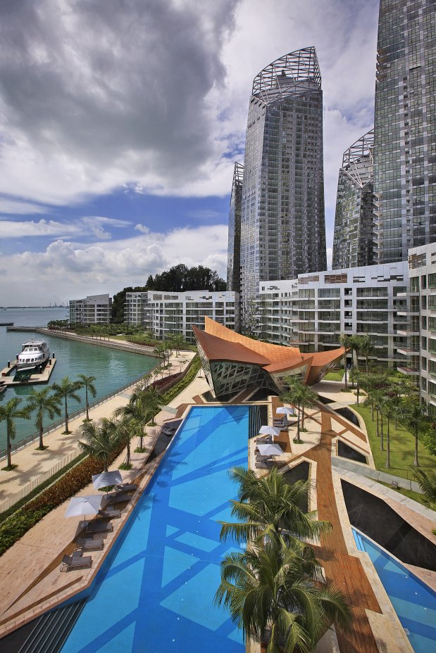 Reflections at Keppel Bay by Studio Daniel Libeskind and the backyard with the pool