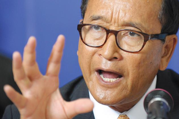 Using the presidential election result in the United States as an example, Cambodia National Rescue Party (CNRP) president Sam Rainsy has again claimed the Cambodian government is a dictatorship ruled by a leader who refuses to quit after many terms in office, contrary to democratic principles.