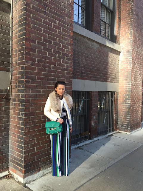 sashadoll blogger, spring 2016 trend, Stripes for spring, palazzo pants, stripped pants, banana republic pants, banana republic striped pants, toronto fashion week outfit, toronto fashion week, TFW, street style, streetstyle, toronto blogger, toronto fashion blogger, prugaste pantalone, kako nositi pruge