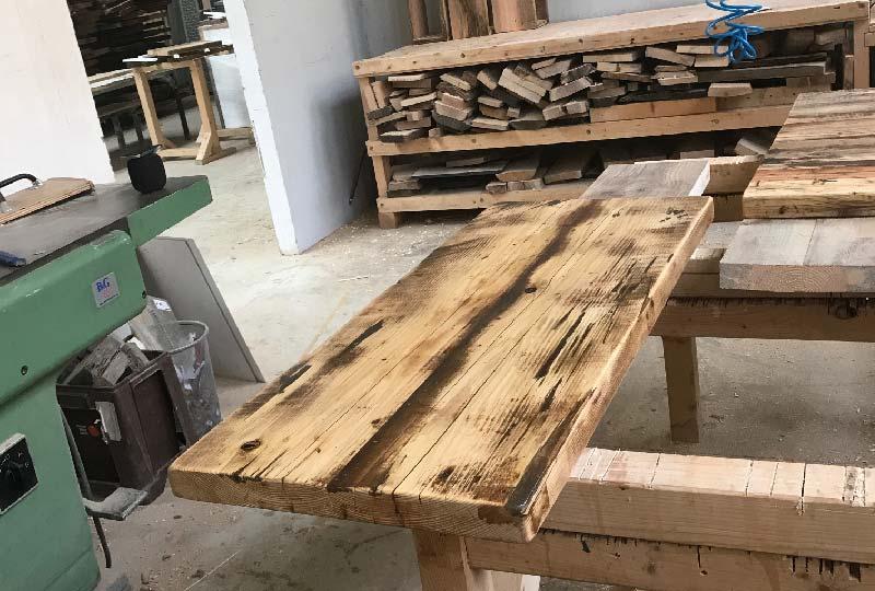 Kentholz dal riciclo del legno ai mobili di design blog di arredamento e interni dettagli - Mobili con legno riciclato ...