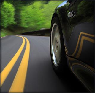 terkadang mereka para pemilik mobil seringkali mengabaikan keselamatan dalam berkendara t Kapan Ban Mobil Harus Diganti ? Ini Jawabannya