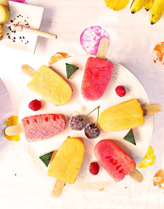 angurie e meloni infilati nello stecco e ghiacciati nel freezer