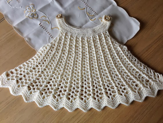 vestido de crochê para bebês