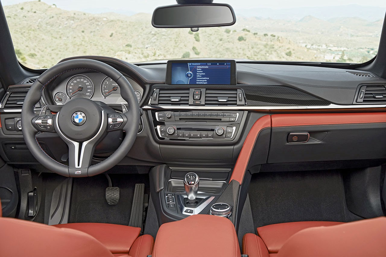 BMW M4 Convertible dash