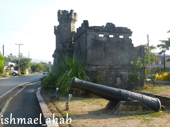 The ruins of Spanish Naval Base and an old cannon in Olongapo City