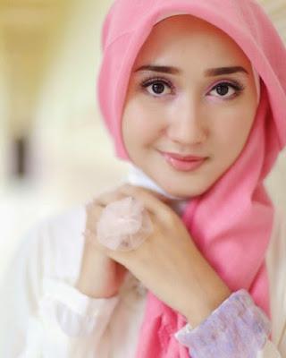 Konsep Foto Hijab Potrait pink cewek cantik model hijab dan keren dian pelangi