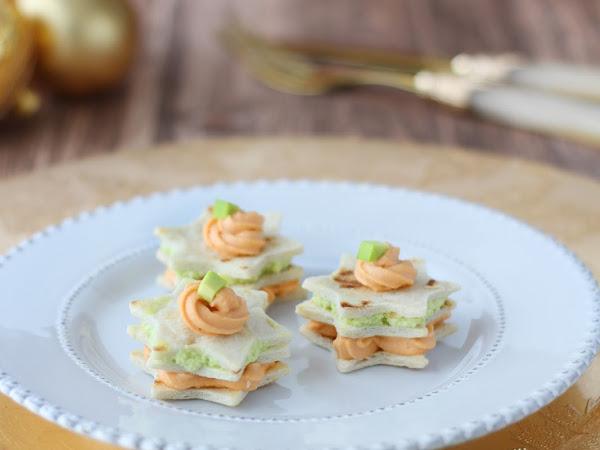 Stelline di piadina con mousse di salmone e avocado